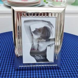 Porta Retrato Luxo Em Metal Aço Prateado 13x18 Cm 10275