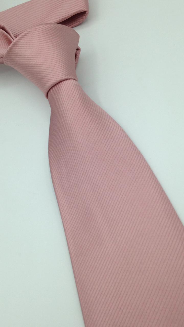 Gravata rosê trabalhada