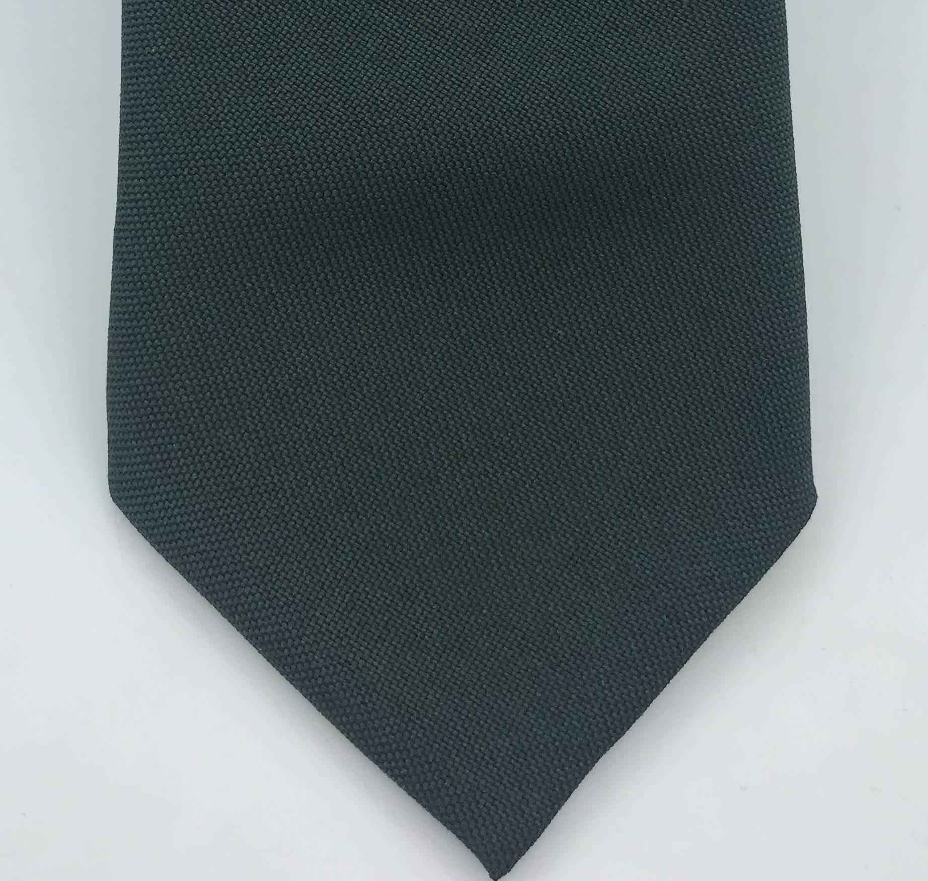 Gravata Semi-Slim Verde Musgo Lisa Fosca