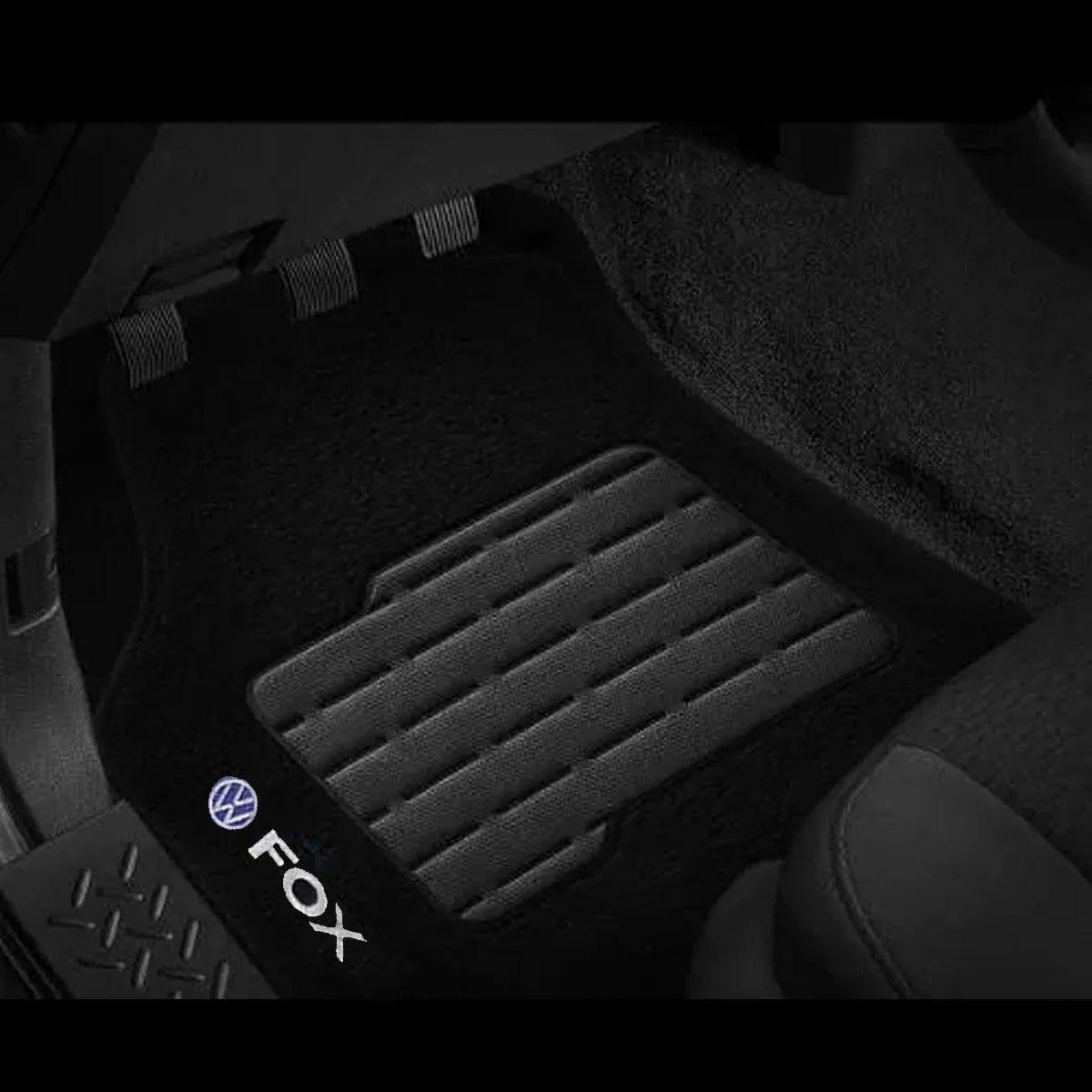 Jogo de Tapete Carpete Fox 2003 A 2014 Preto Logo Bordado Volkswagen Personalizado