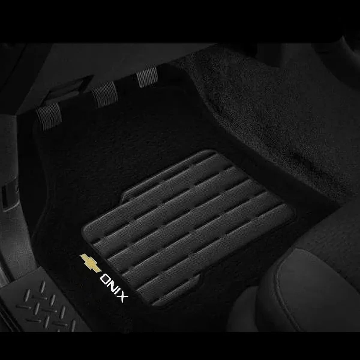 Jogo Tapete Carpete Onix Preto Logo Chevrolet Gm Bordado