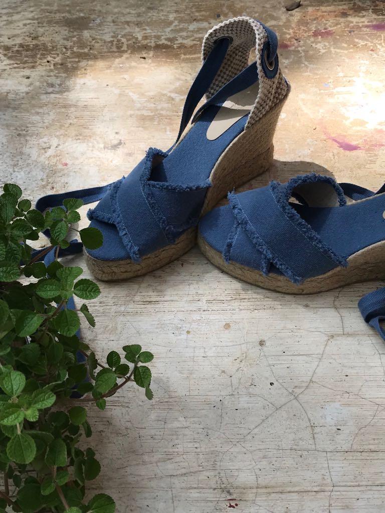 Sandália Salto Anabela Lona Azul Simone  - Angelina Vai às Compras