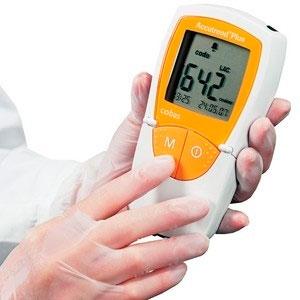 Analisador bioquímico portátil para testes remotos - Medidor de Glicose, Colesterol, Triglicérides e Lactato - ACCUTREND PLUS - Roche
