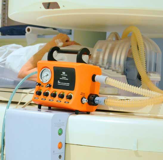 Respirador / Ventilador Pulmonar Mecânico de Transporte Pediátrico e Adulto e Obesos para Sala de Ressonância Magnética - S-21- Vent-logos