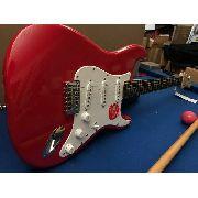 Guitarra Fender Squier Bullet Stratocaster Ht Fiesta Red Nfe