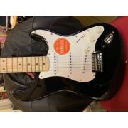Guitarra Fender Squier Affinity Stratocaster 031 0602 506 Black