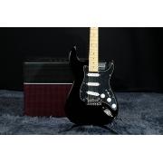 Guitarra G&L Tribute Legacy Special Edition TI-LGY | SSS | Strato | Preta