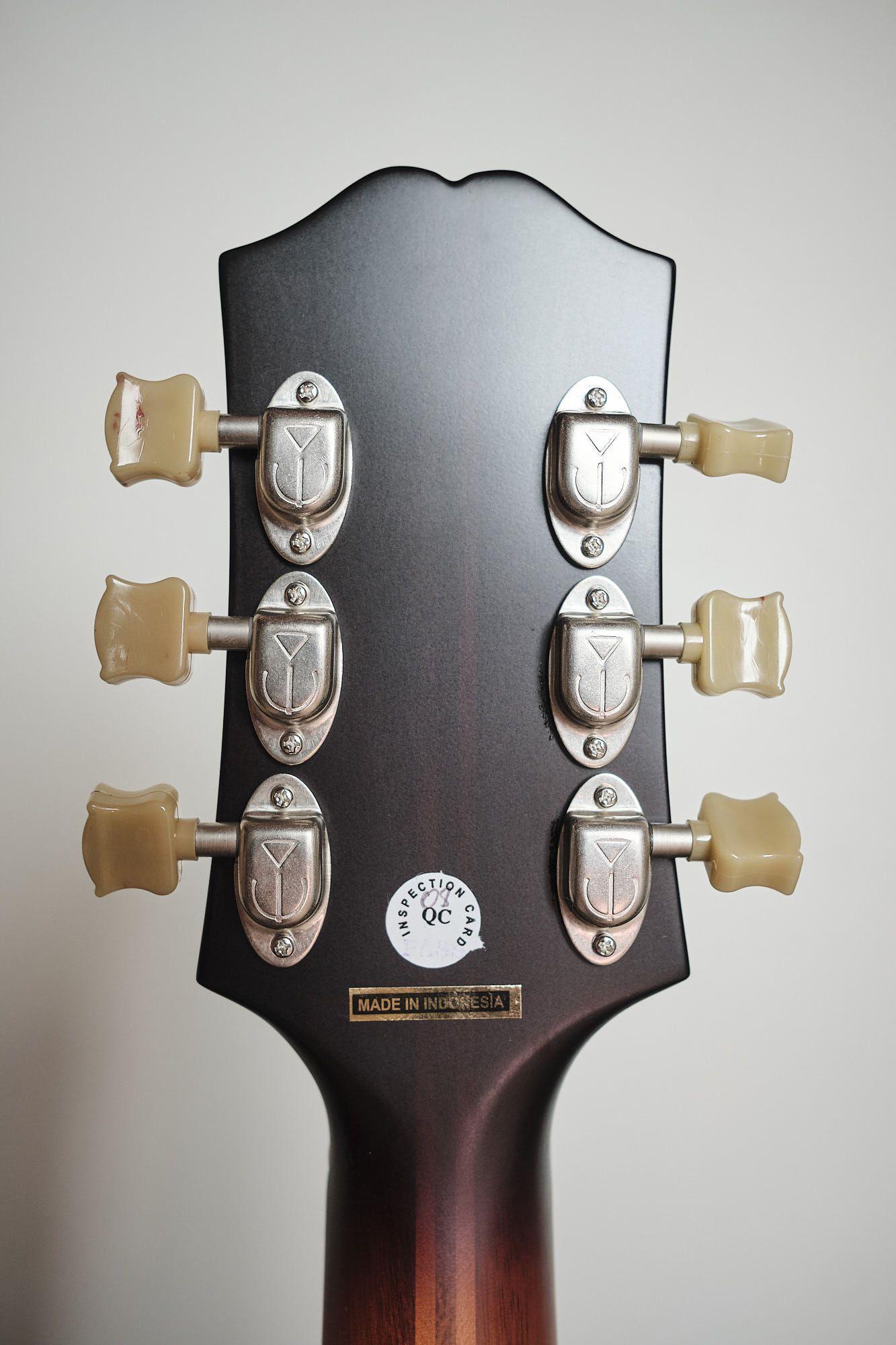 Violão Elétrico EpiPhone Masterbilt Deluxe Classic F Hole Vintage Sunburst