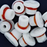 Firma de Vidro - Chapéu Branco e Vermelho