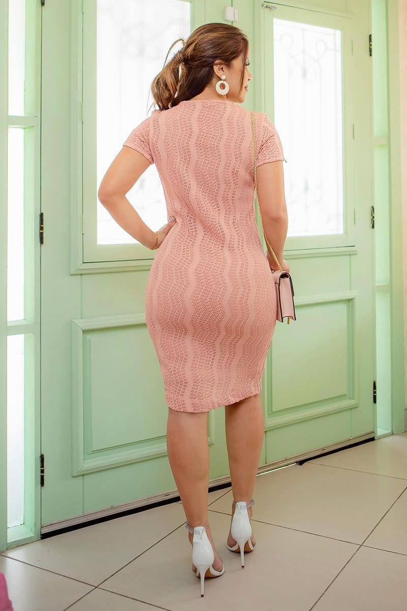 92694 - Vestido em bandagem de croche com detalhes em fita PRODUTO NA PROMOÇÃO NÃO TEM DESCONTO NA COMPRA A VISTA
