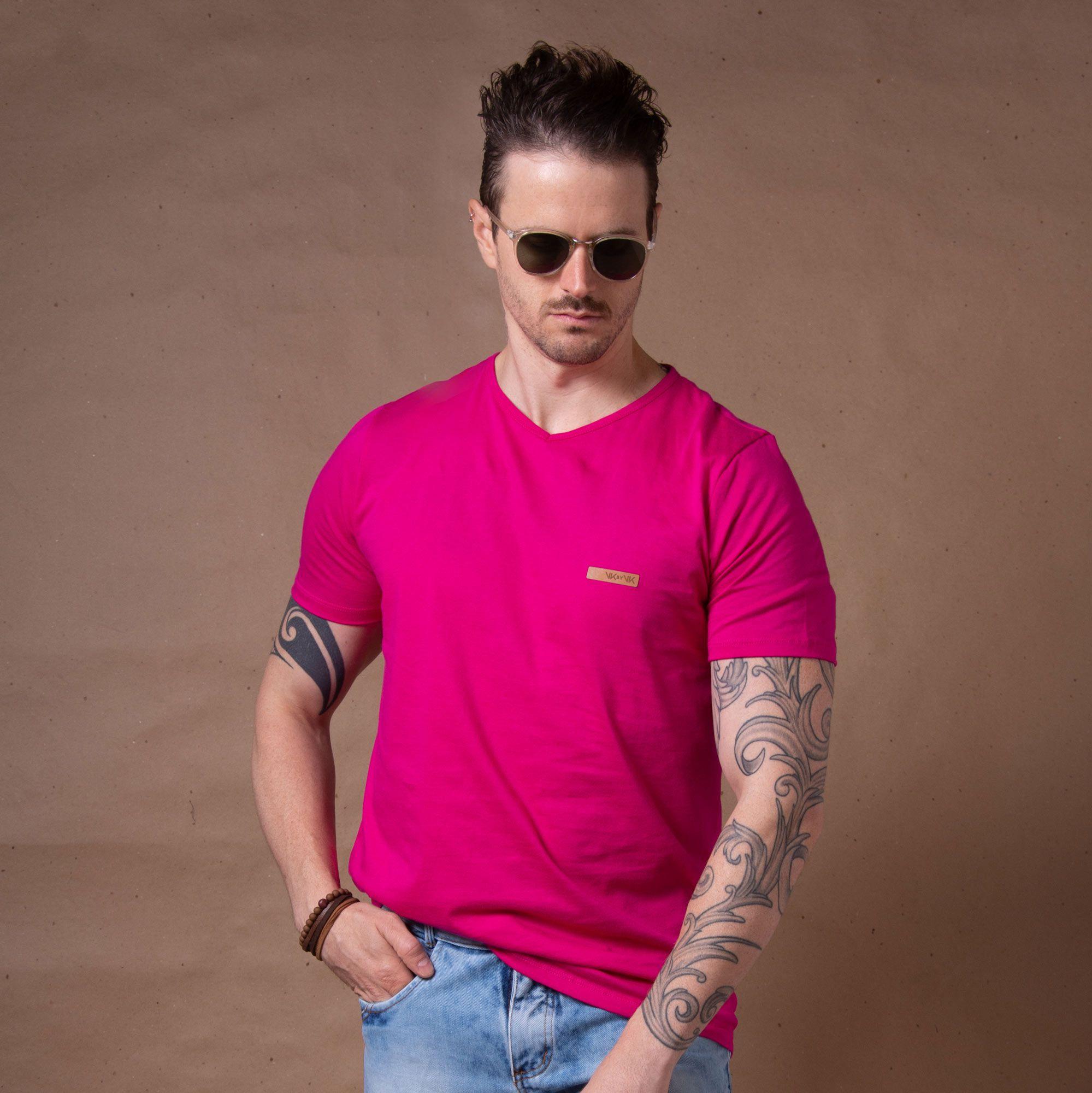 5bfca0dddb Camiseta Básica Gola V Rosa - VK by VK