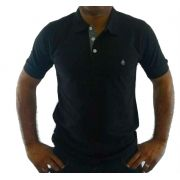 21f4befc3ad70 masculino camisa polo camisa polo masculina preta detalhe geometrico ...
