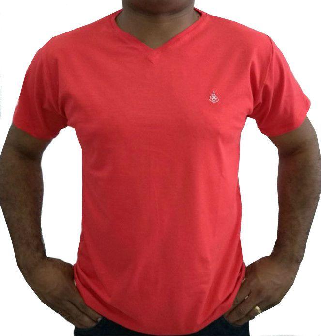 24b3869da Camiseta Básica Masculina Vermelha Gola V Algodão Egípcio
