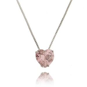 Colar com Pingente de Coração Cravejado Rosa 10 mm Semijoia Linda em Ródio Branco com Zircônia