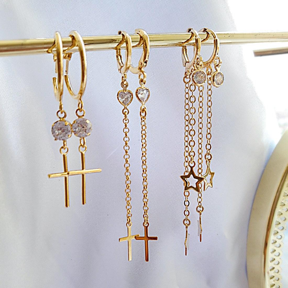 Argolinha com Crucifixo e Coração de Zircônia Branca Semijoia Ouro 18K  - Soloyou