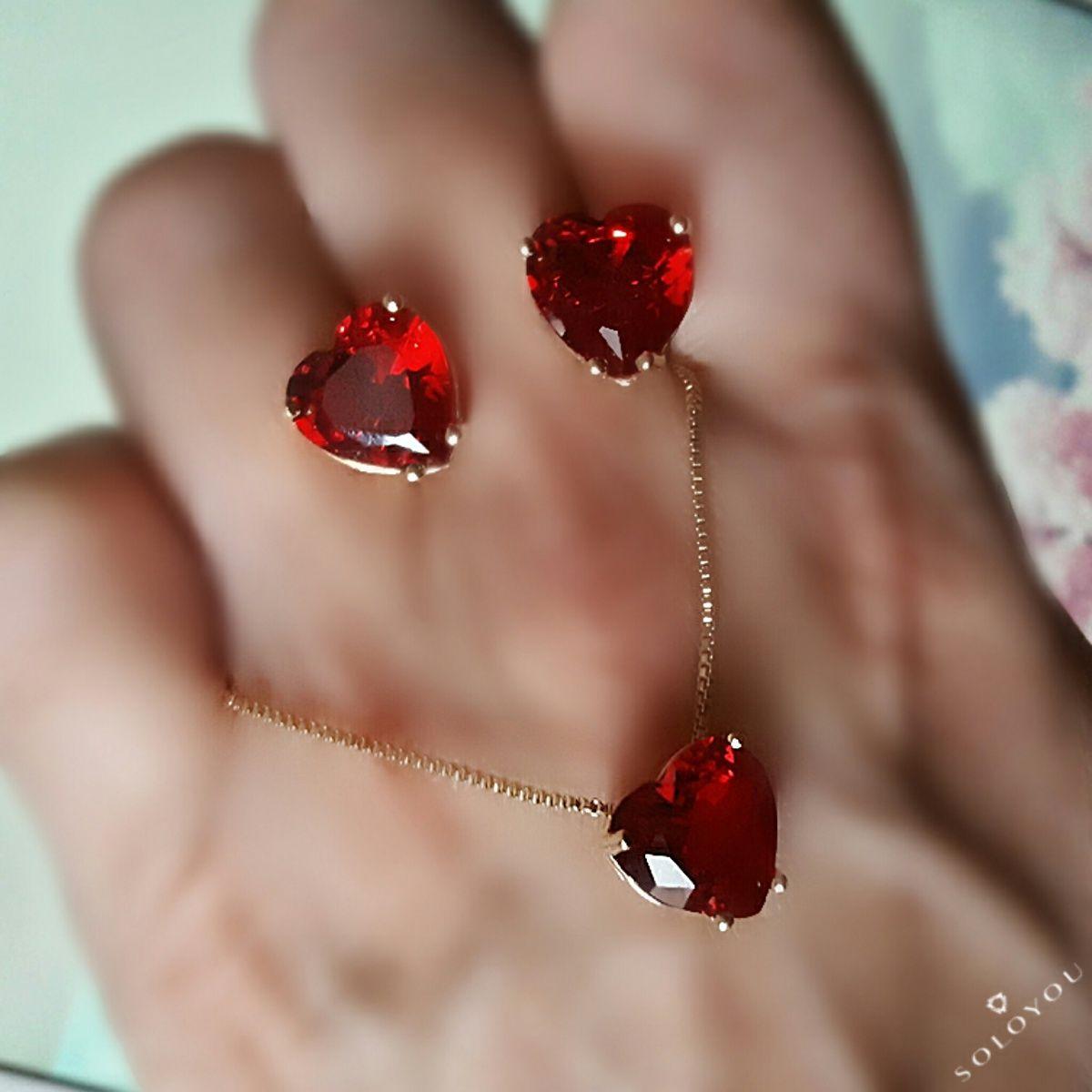 Brinco Dourado Coração Vermelho de Zircônia 10 mm Semijoia em Ouro 18K  - Soloyou