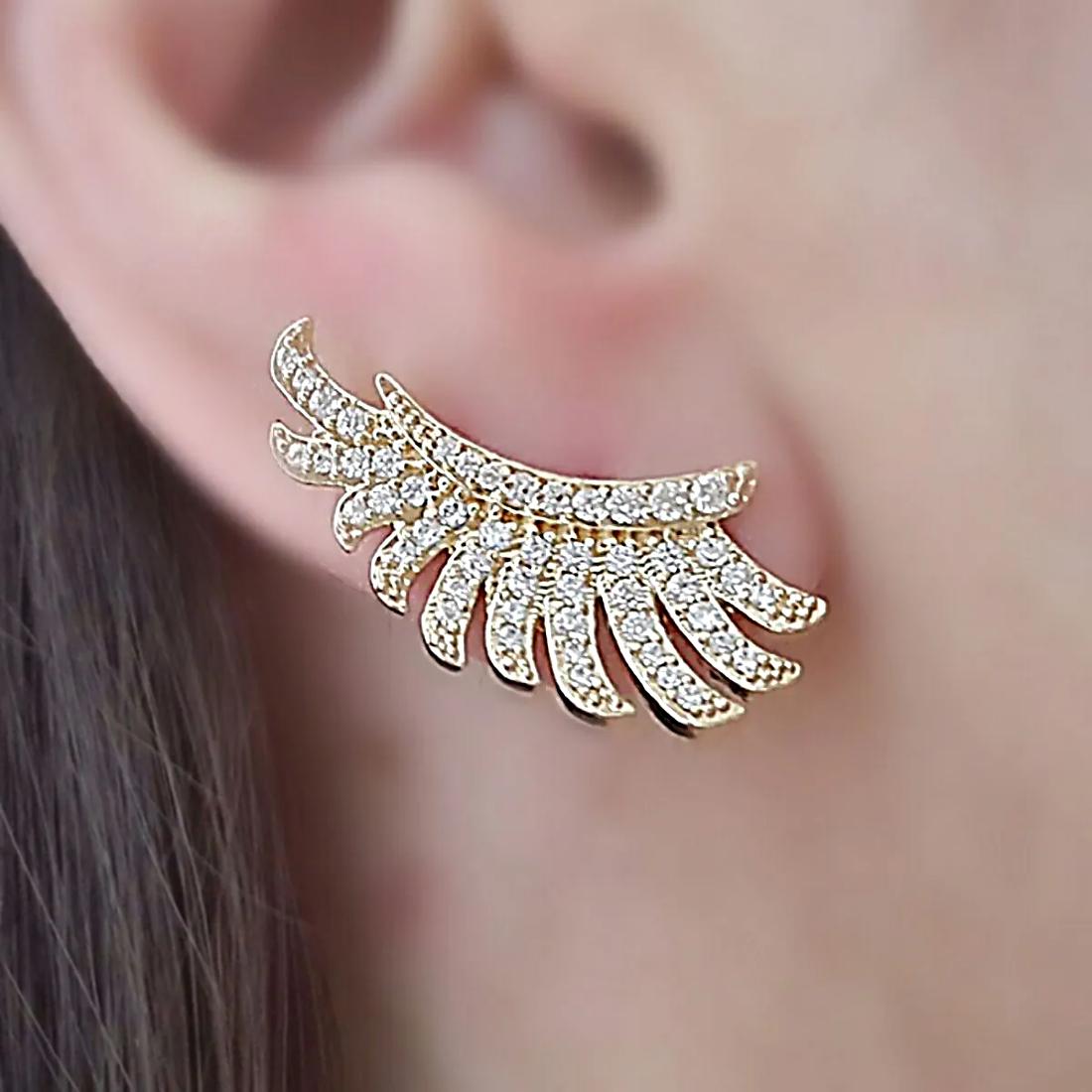 Brinco Ear Cuff Asa Delicado Semijoia em Ouro 18K com Micro Zircônia Branca  - Soloyou
