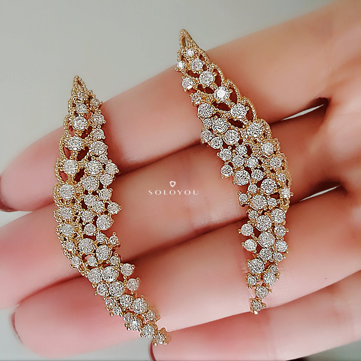Ear Cuff Asa Luxo Semijoia em Ouro 18K com Zircônia Branca  - SOLOYOU