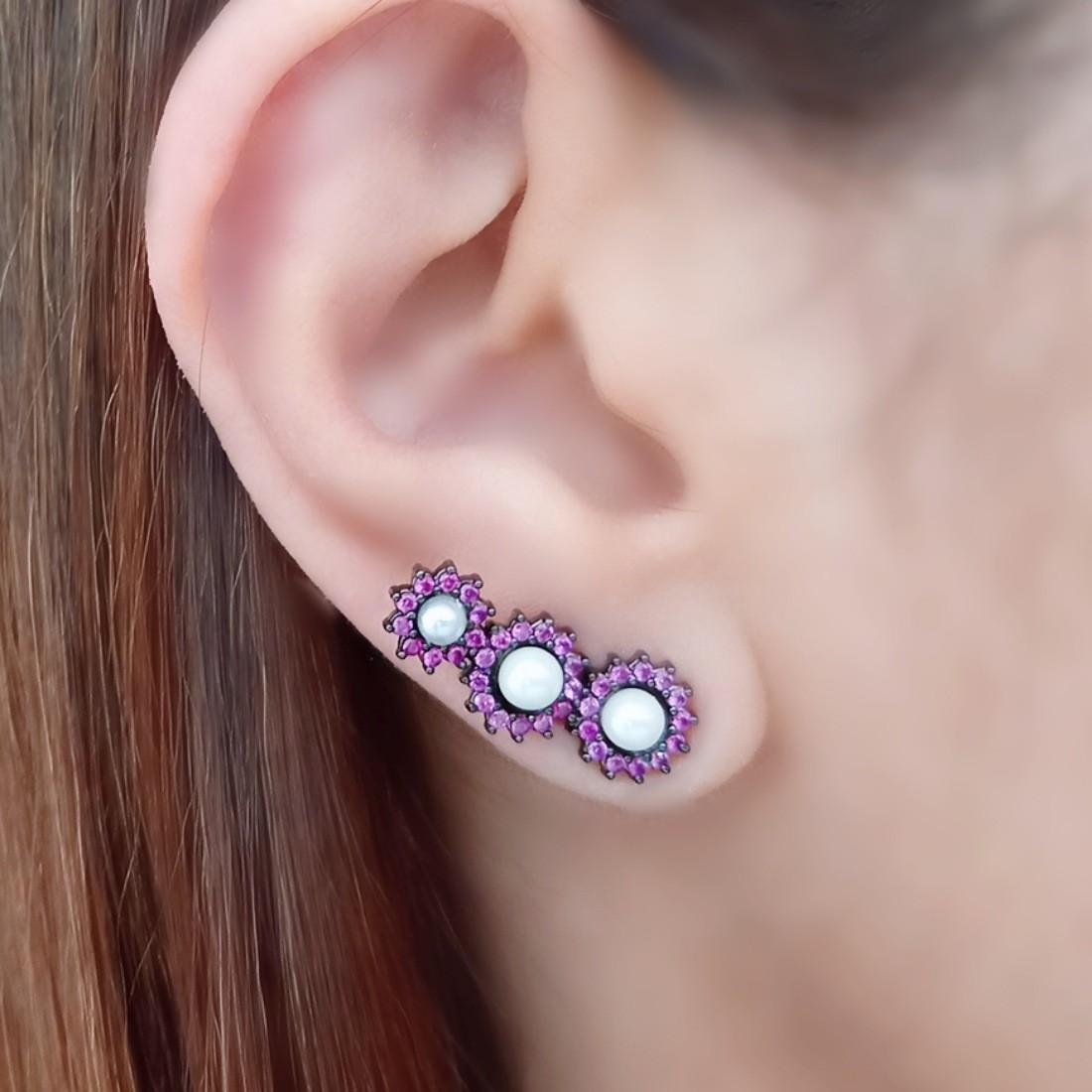 Brinco Ear Cuff de Pérola Shell com Zircônia Rubi Rosa Semijoia em Ródio Negro  - Soloyou