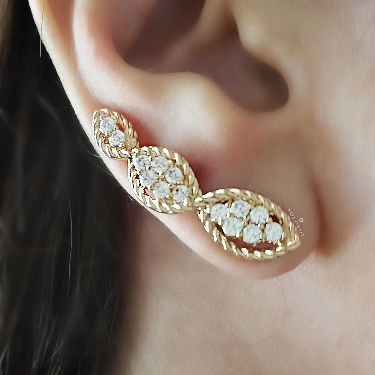Brinco Ear Cuff Trançado Semijoia em Ouro 18K com Zircônia Branca Brilhante  - Soloyou