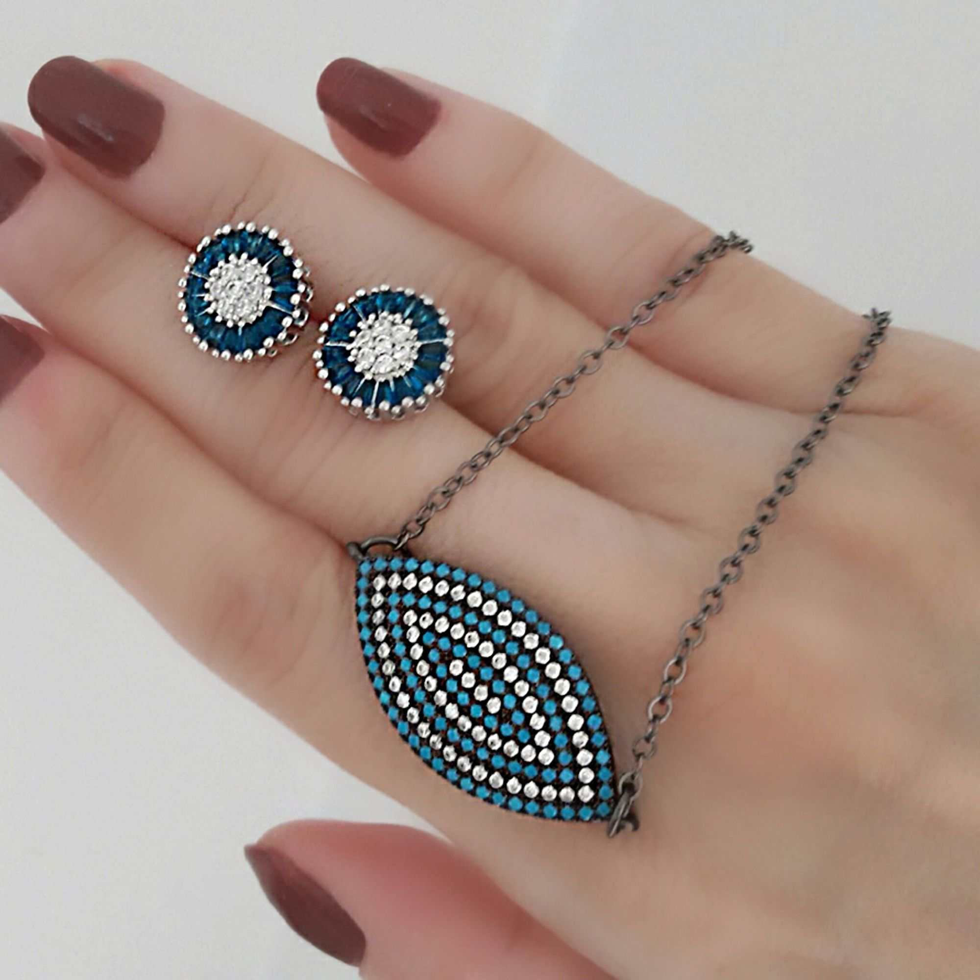 Colar Pingente Olho Grego Zircônias Azul Turquesa e Branca Ródio Negro Semijoia  - Soloyou