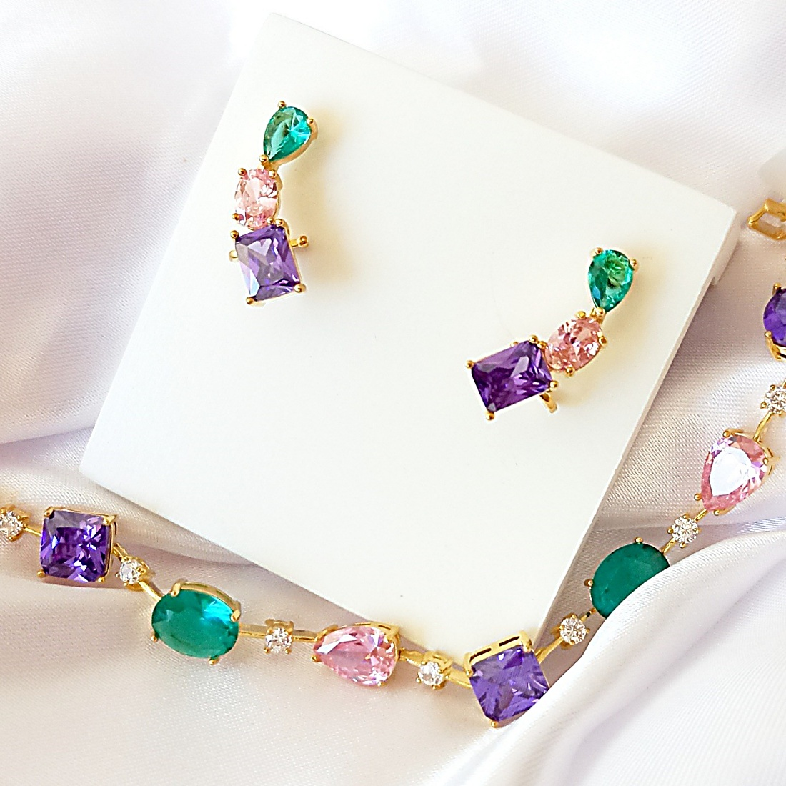 Ear Cuff Colors com Garra Semijoia Banhada Ouro  - Soloyou