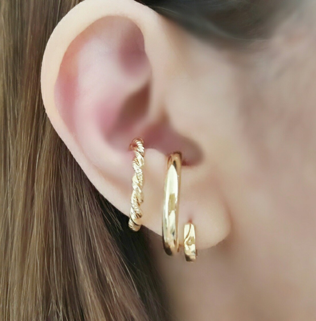 Ear Hook Fake Soloyou Tubo Grosso Semijoia Ouro 18K  - Soloyou