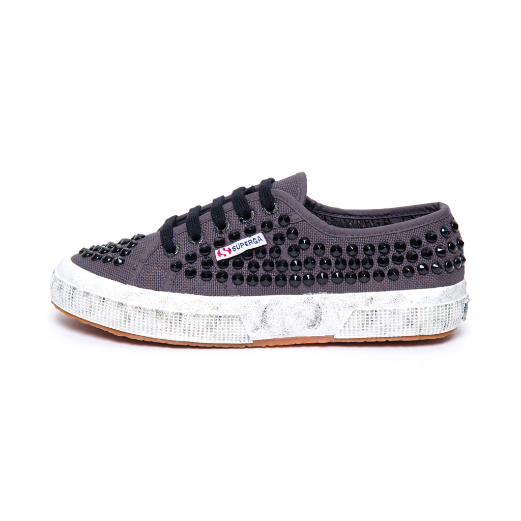 2750 COTD STUDS 2W DARK GREY IRON BLACK