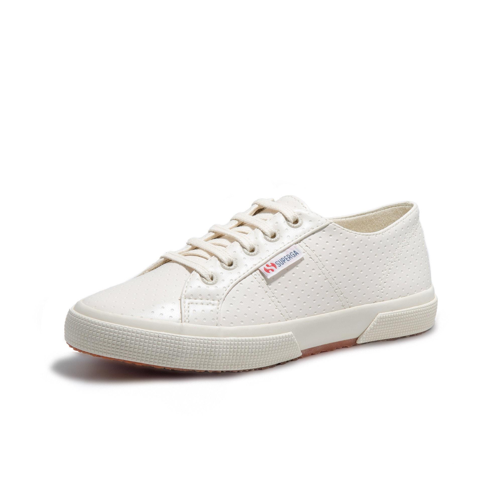 2750 COTU CLASSIC PERFURADO OFF WHITE