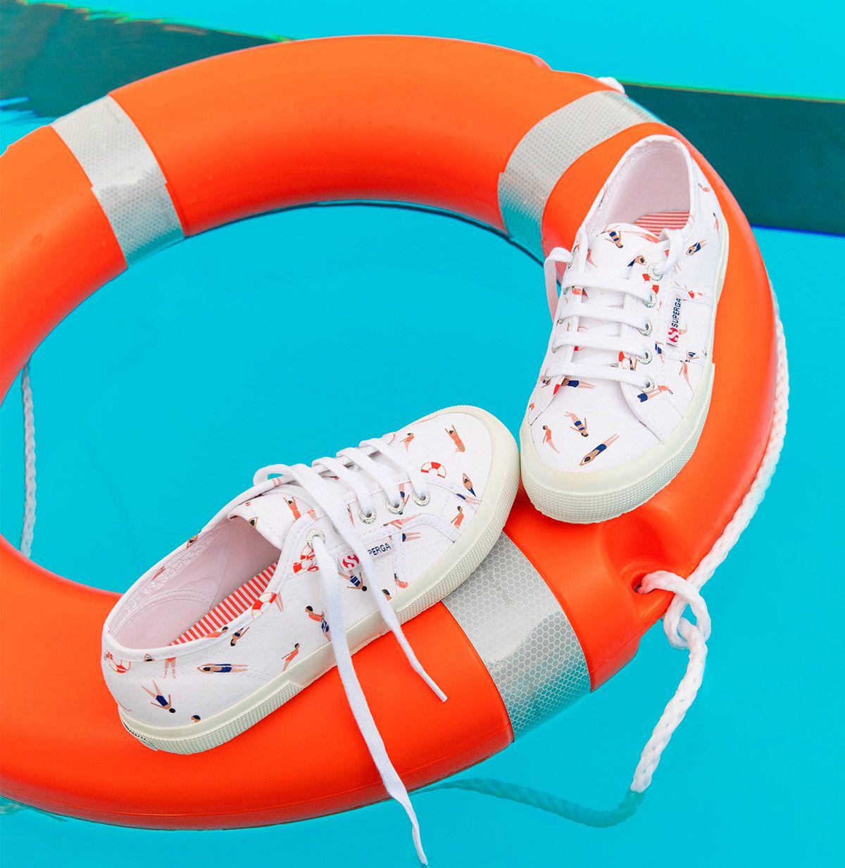 2750-FANTASY COTU - White Swimming