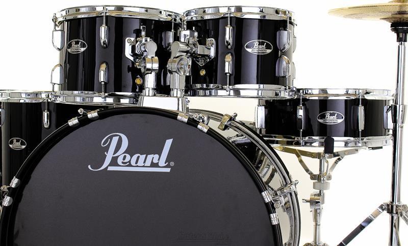 Bateria Pearl Roadshow RS525S/C31 Jet Black 22, 10, 12, 16, 14 polegadas, com ferragens ,Banco e 2 pares de baquetas e bag para baquetas Pearl