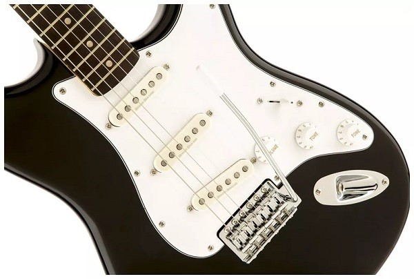 Guitarra Fender Squier Strato Vintage Modified Black