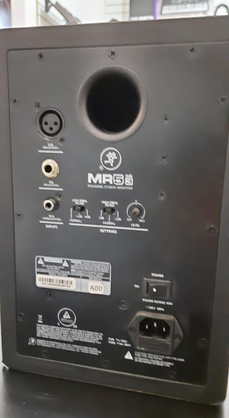Monitor de Referência Mackie MR5 MK3 (Par) Semi Novo
