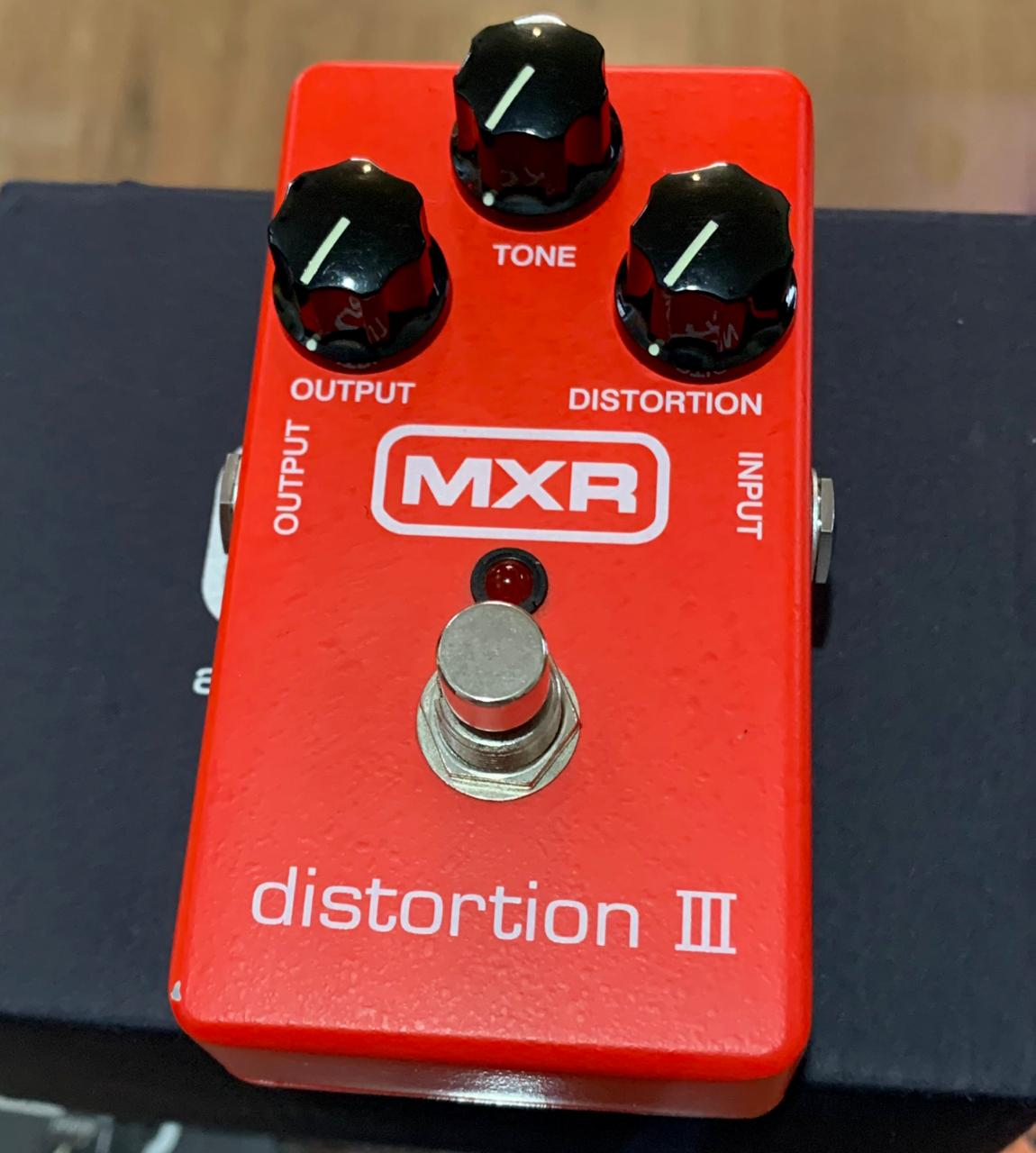 Pedal MXR Distortion III M-115 (Semi-Novo)