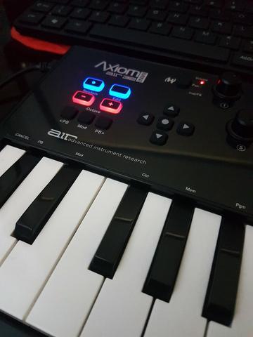 TECLADO CONTROLADOR USB M-AUDIO AXIOM AIR MINI 32