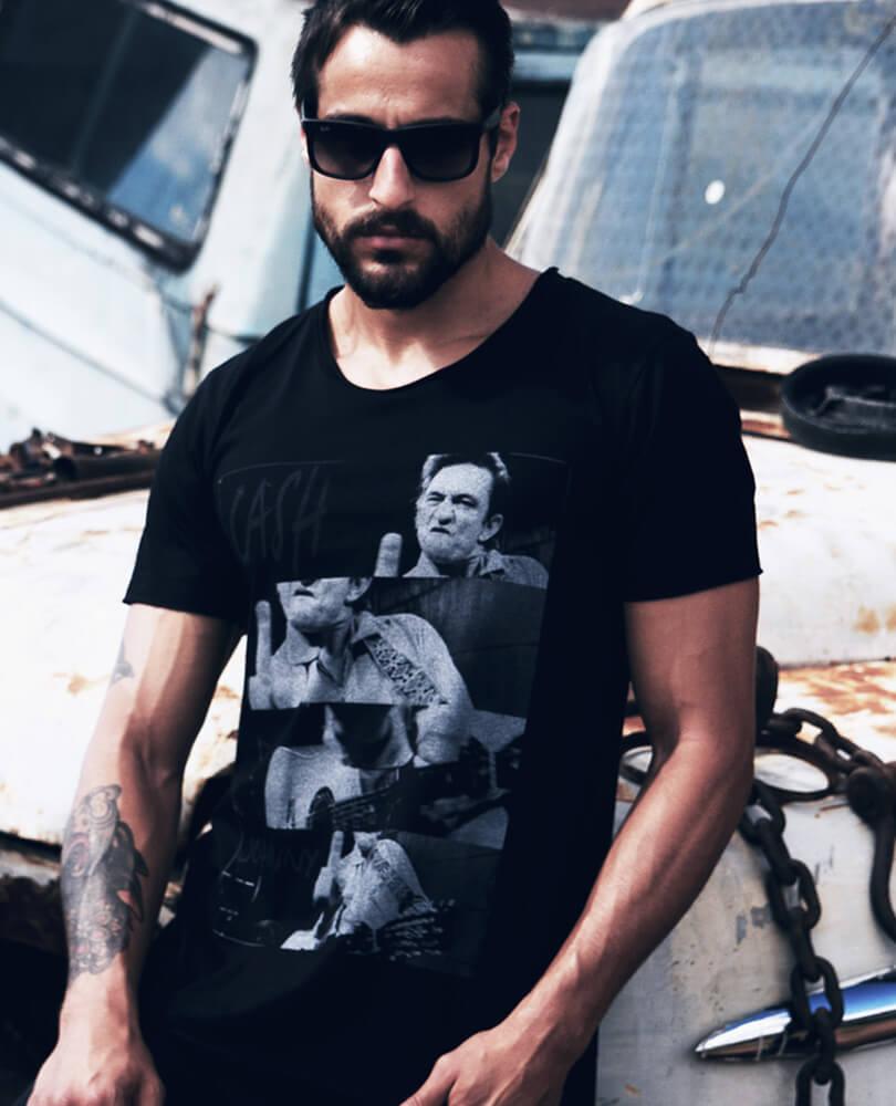 b82e2b6886 Uma Camiseta do Johnny Cash que representa seu mood irônico e maluco. Sim