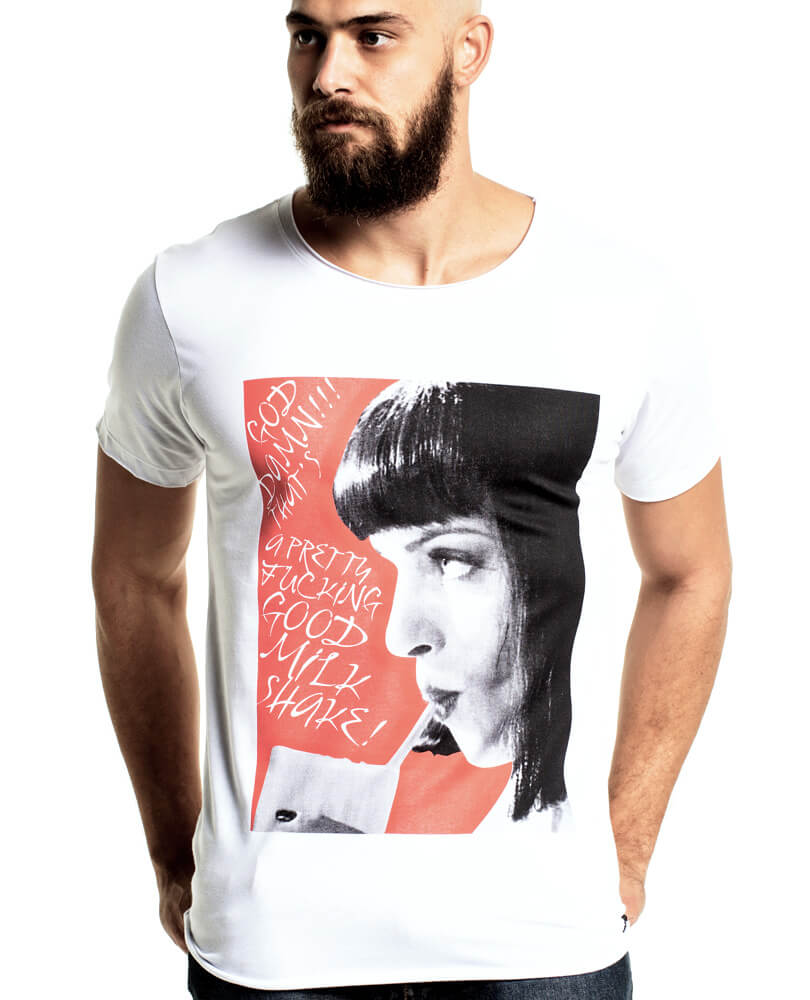ed53e8227f Mia Wallace é um personagem que simplesmente merecia uma camiseta masculina  estilosa como essa