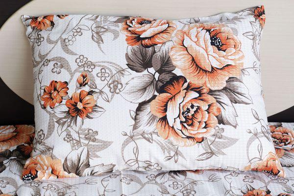 Fronha de travesseiro texturatto estampada flores alaranjadas - OMA Enxovais