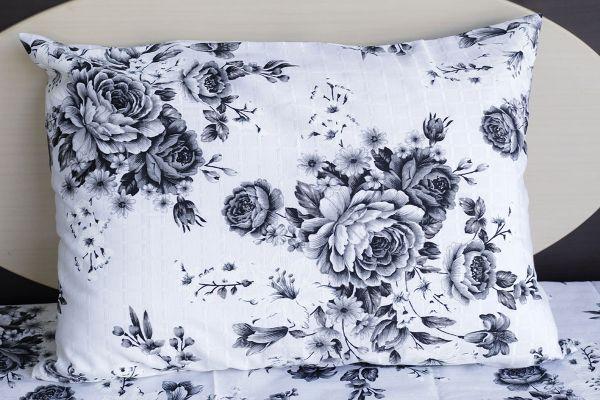 Fronha de travesseiro texturatto estampada flores cinzas - OMA Enxovais