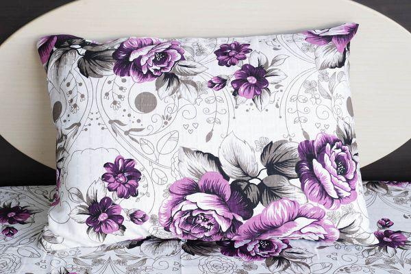 Fronha de travesseiro texturatto estampada flores roxas - OMA Enxovais