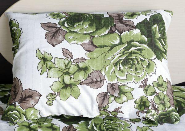 Fronha de travesseiro texturatto estampada flores verdes com detalhes marrom - OMA Enxovais