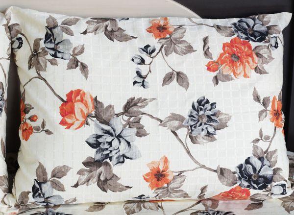 Fronha de travesseiro texturatto estampada flores alaranjadas com fundo amarelo - OMA Enxovais