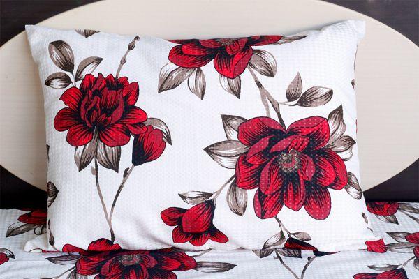 Fronha de travesseiro piquet Flores Vermelhas - OMA Enxovais