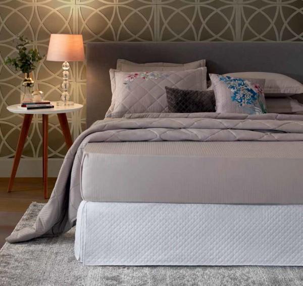Saia para cama box queen matelassada branca - Hedrons