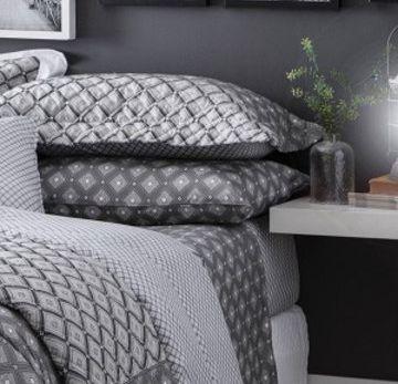 Jogo de cama casal duplo 140 Fios Hugo - Realce Premium