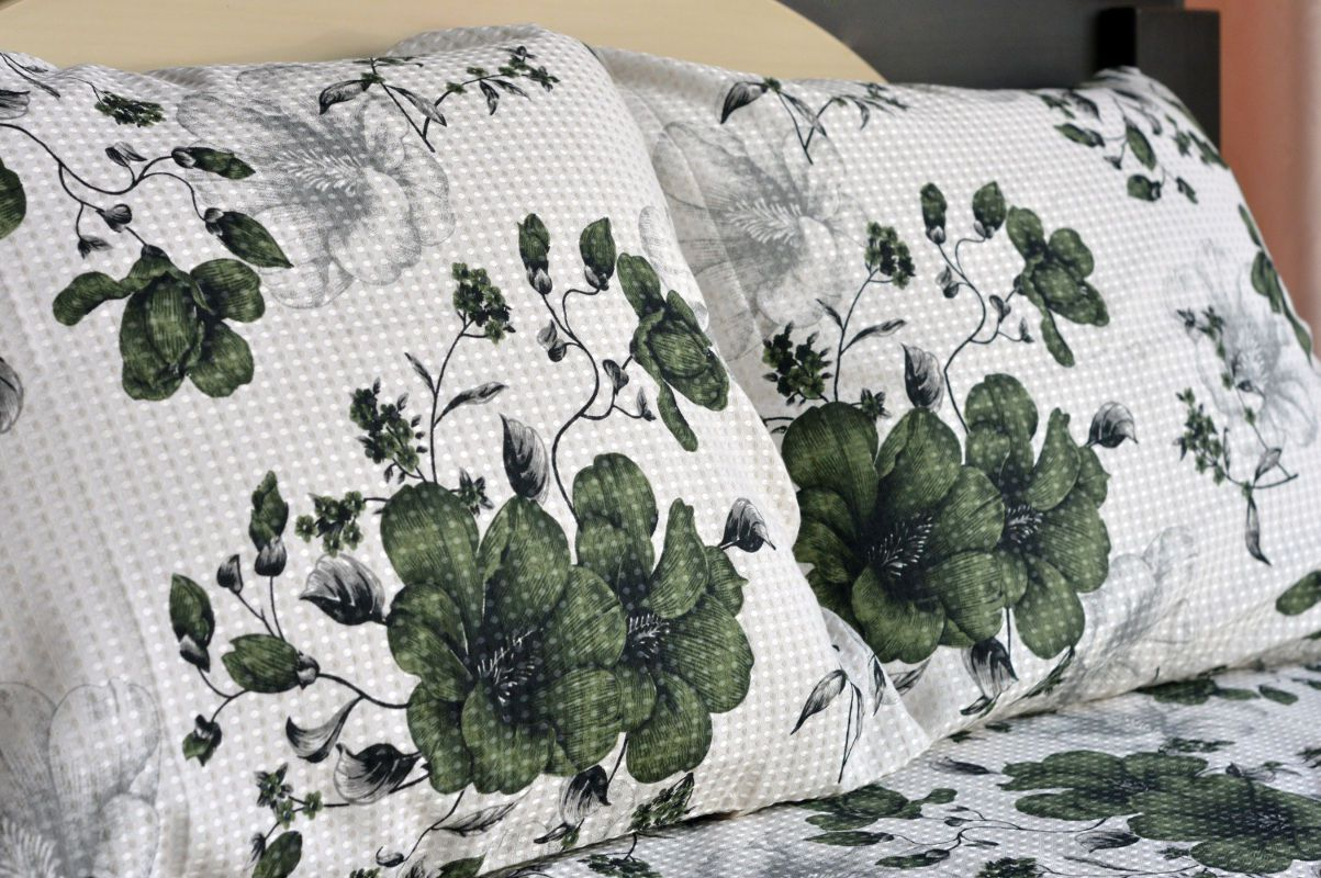 Kit colcha de casal piquet estampada Flores Verdes Escuro - OMA Enxovais