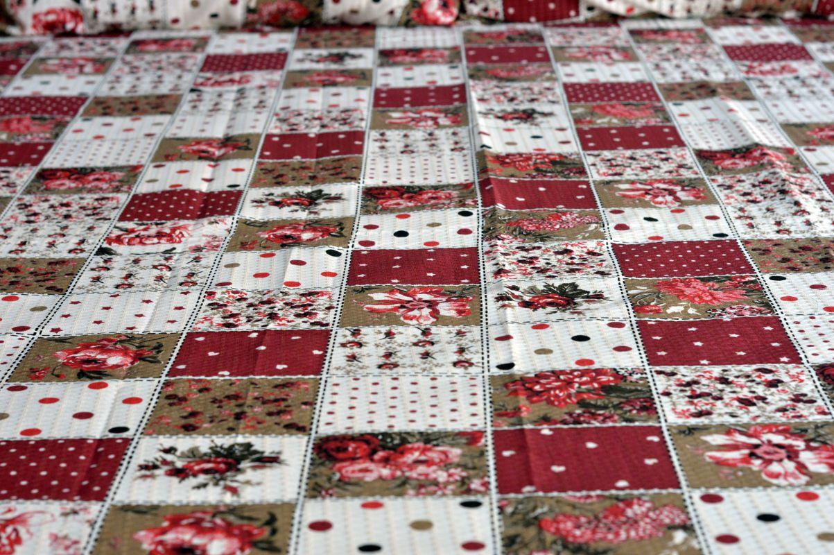 Kit colcha de casal piquet estampada Patchwork Florida Vermelha - OMA Enxovais