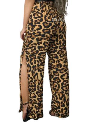 Calça Feminina Pantalona Com Forro E Fenda Lateral Animal Print