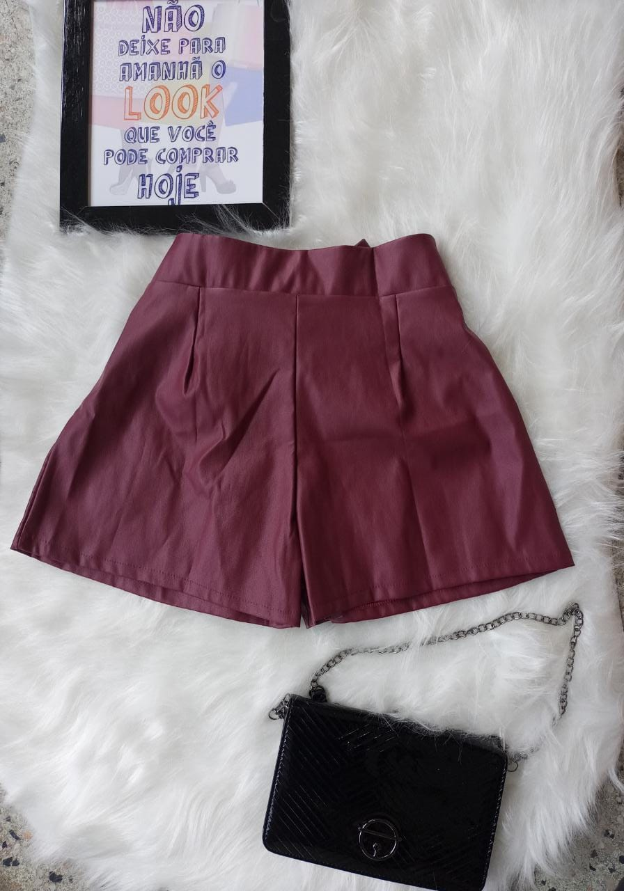 Shorts Courino Detalhe Clochard Cós Alto Com Bolso