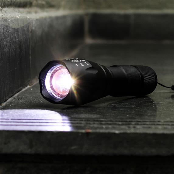 Lanterna Led Ultra Forte Militar Tática